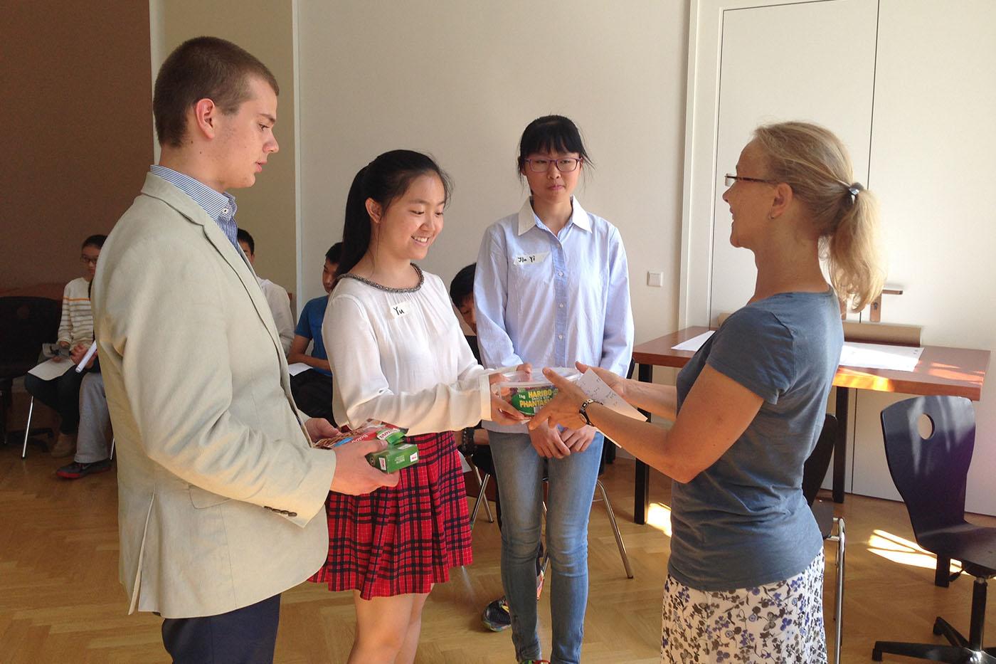 Bildungsbrücke - In Ferienprogrammen erfahren Jugendliche die jeweils andere Kultur hautnah